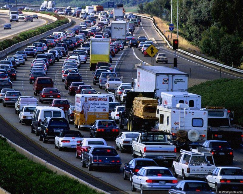 Около трехсот машин на тысячу жителей