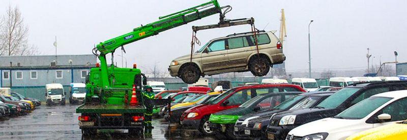Многие собственники не забирают машины