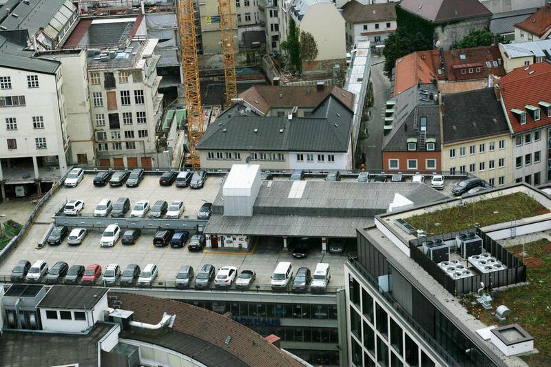 Многоуровневая парковка в Мюнхене