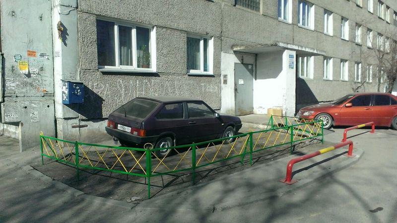 Где во дворе жилого дома нельзя ставить машину