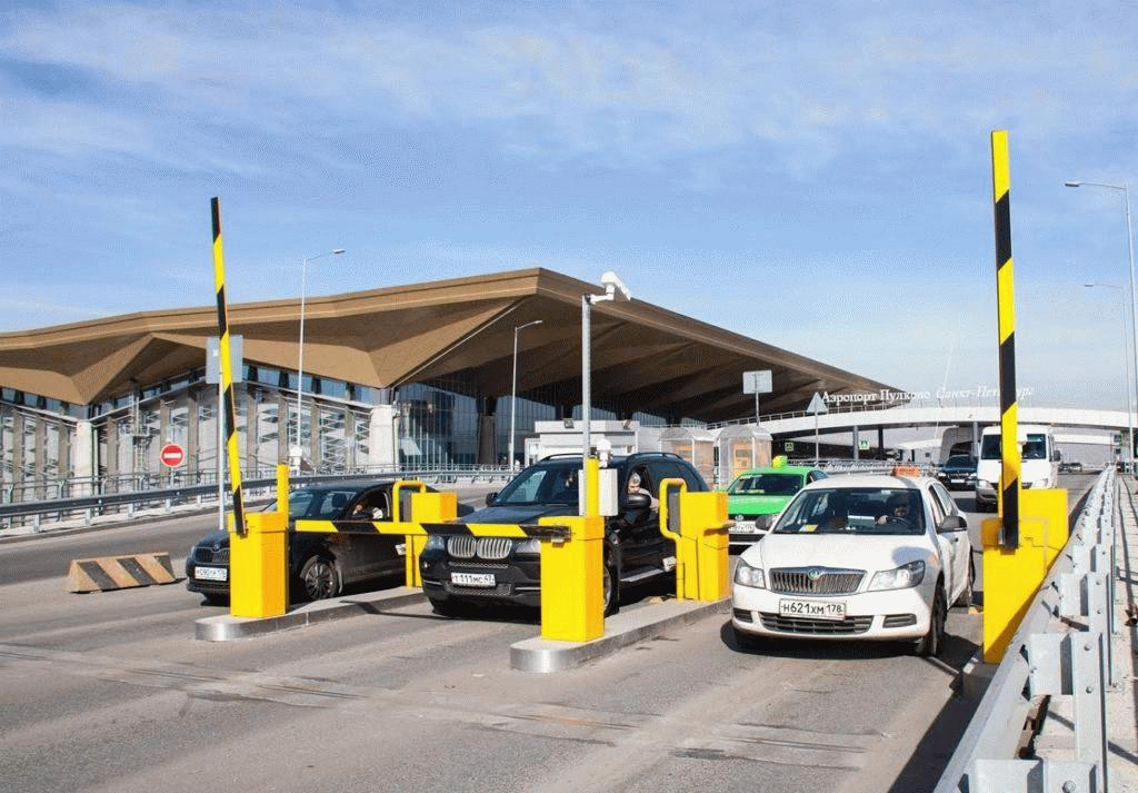 Аэропорт Пулково предоставляет автомобилистам возможность оставить свои машины на любом из типов стоянок