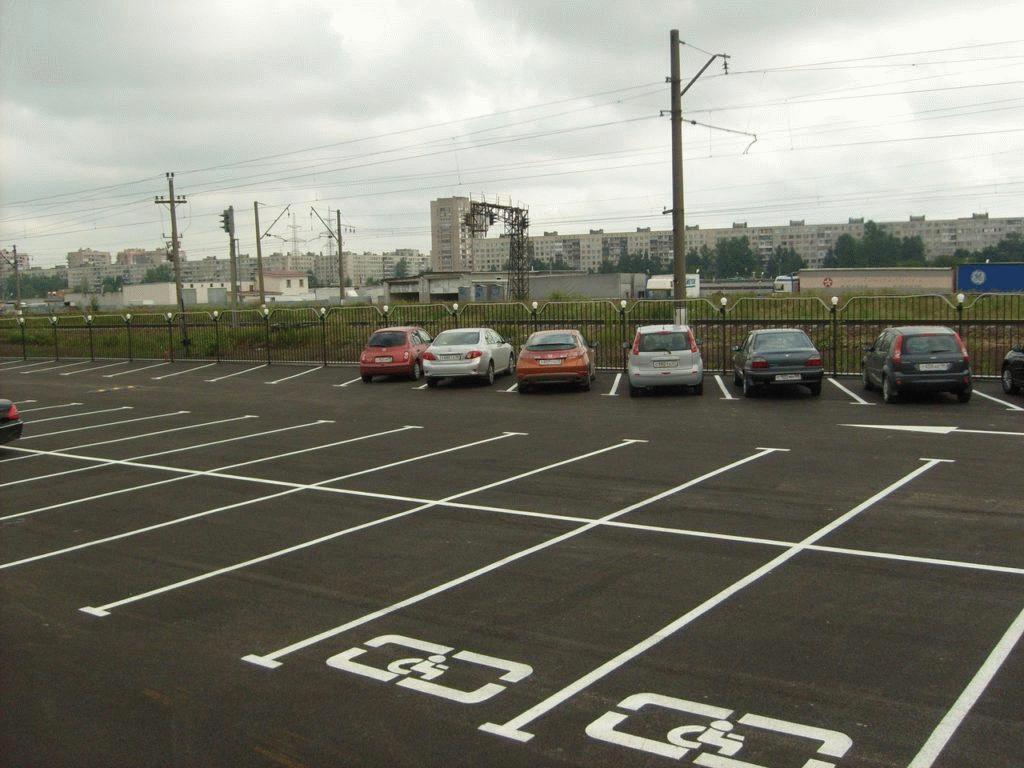 Парковка для инвалидов должна располагаться как можно ближе к выезду с территории стоянки