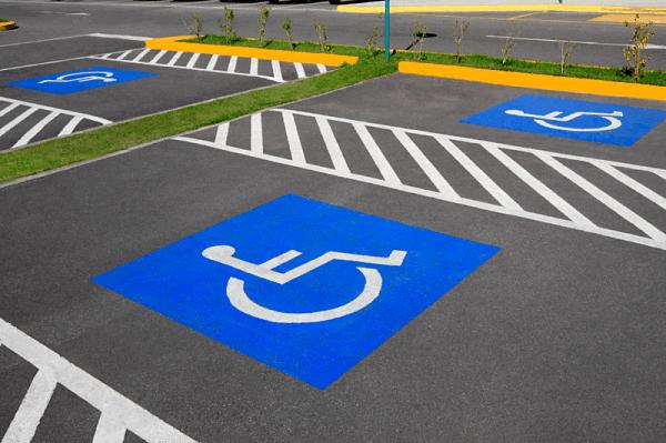 Дорожная разметка «Парковка для инвалидов»