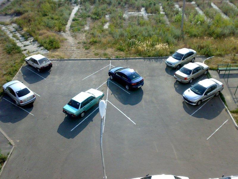 Парковка меньше 10 машин