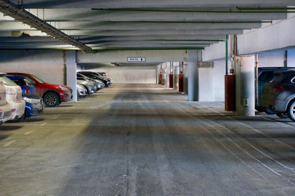 Подземный паркинг у терминала Е в Шереметьево
